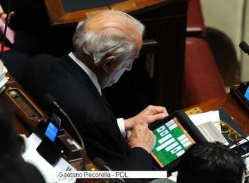 La busta paga di un parlamentare un oltraggio a tutti gli for Notizie parlamento italiano